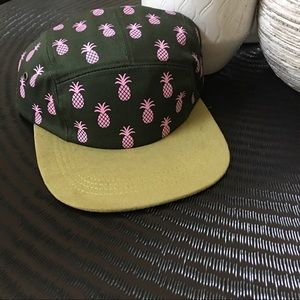 Accessories - Gurly pineapple hat